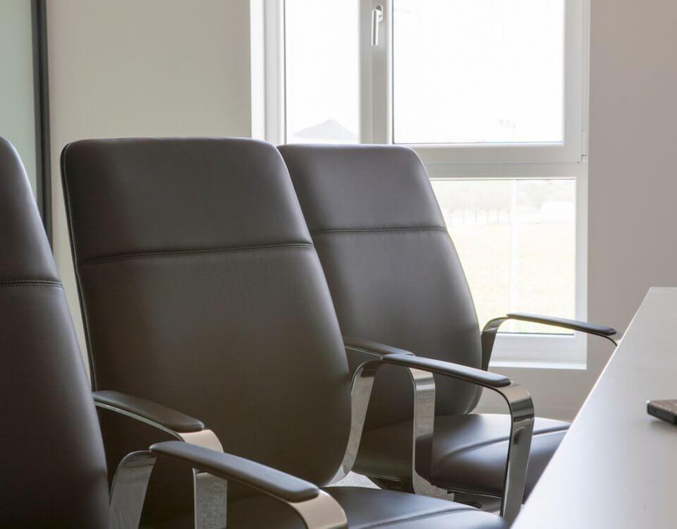 Moderne Leder-Bürostuhle